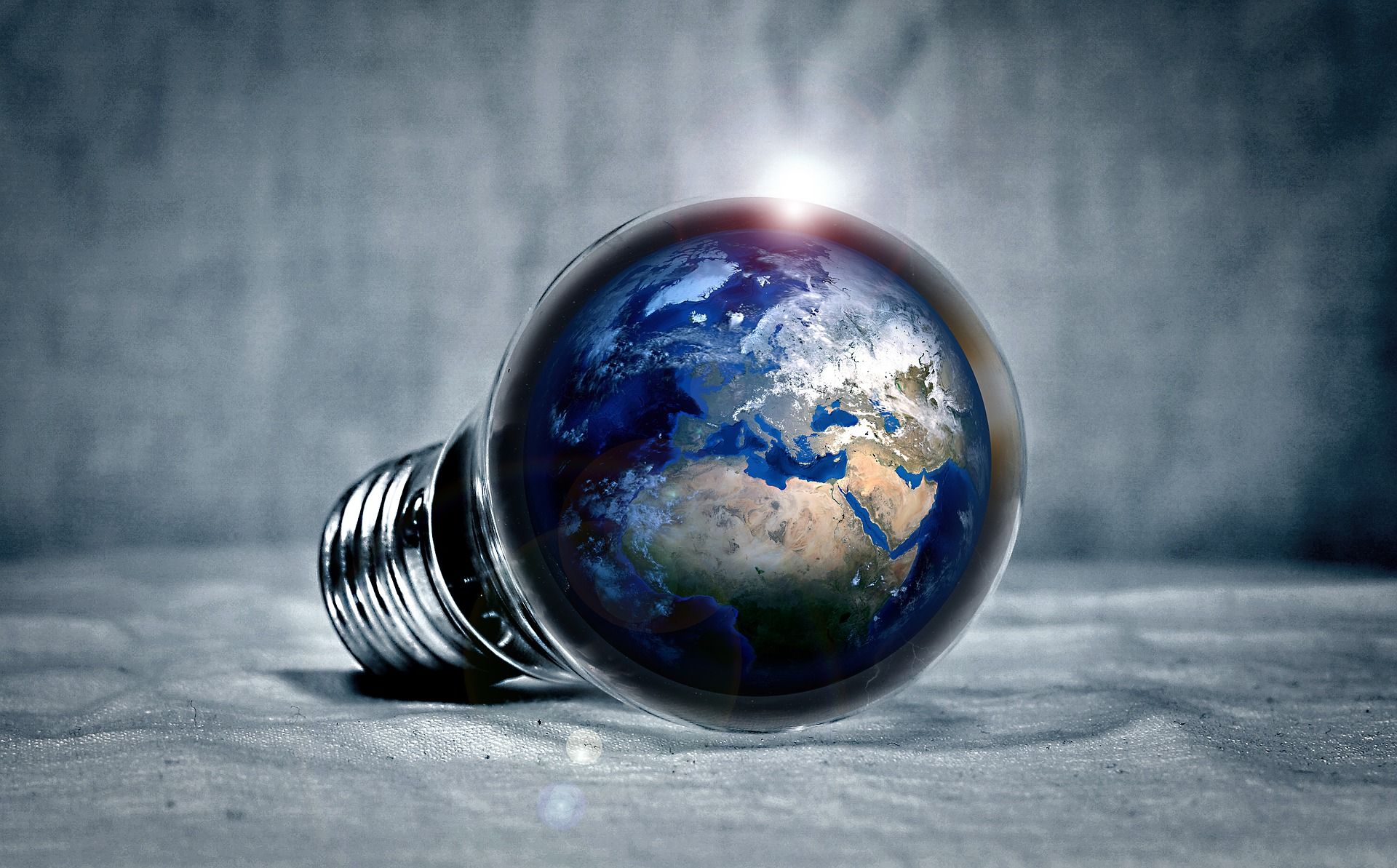 earth-2581631_1920